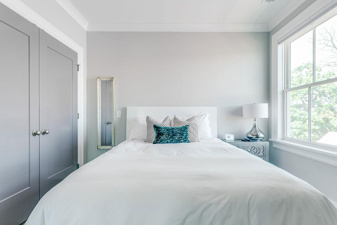 modern-white-bed